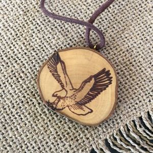 Jewelry - Vintage Wooden Free Bird Eagle 🦅 Necklace